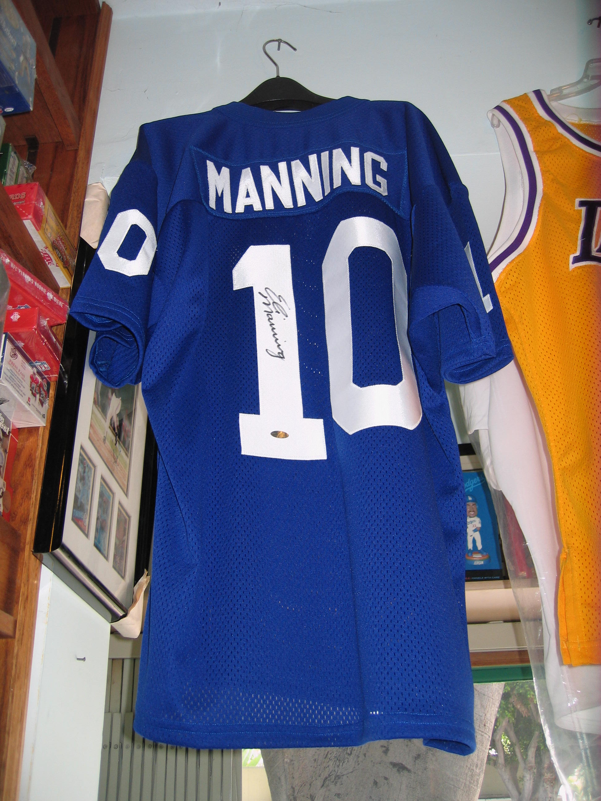 Eli Manning Autographed Jersey (New York Giants)