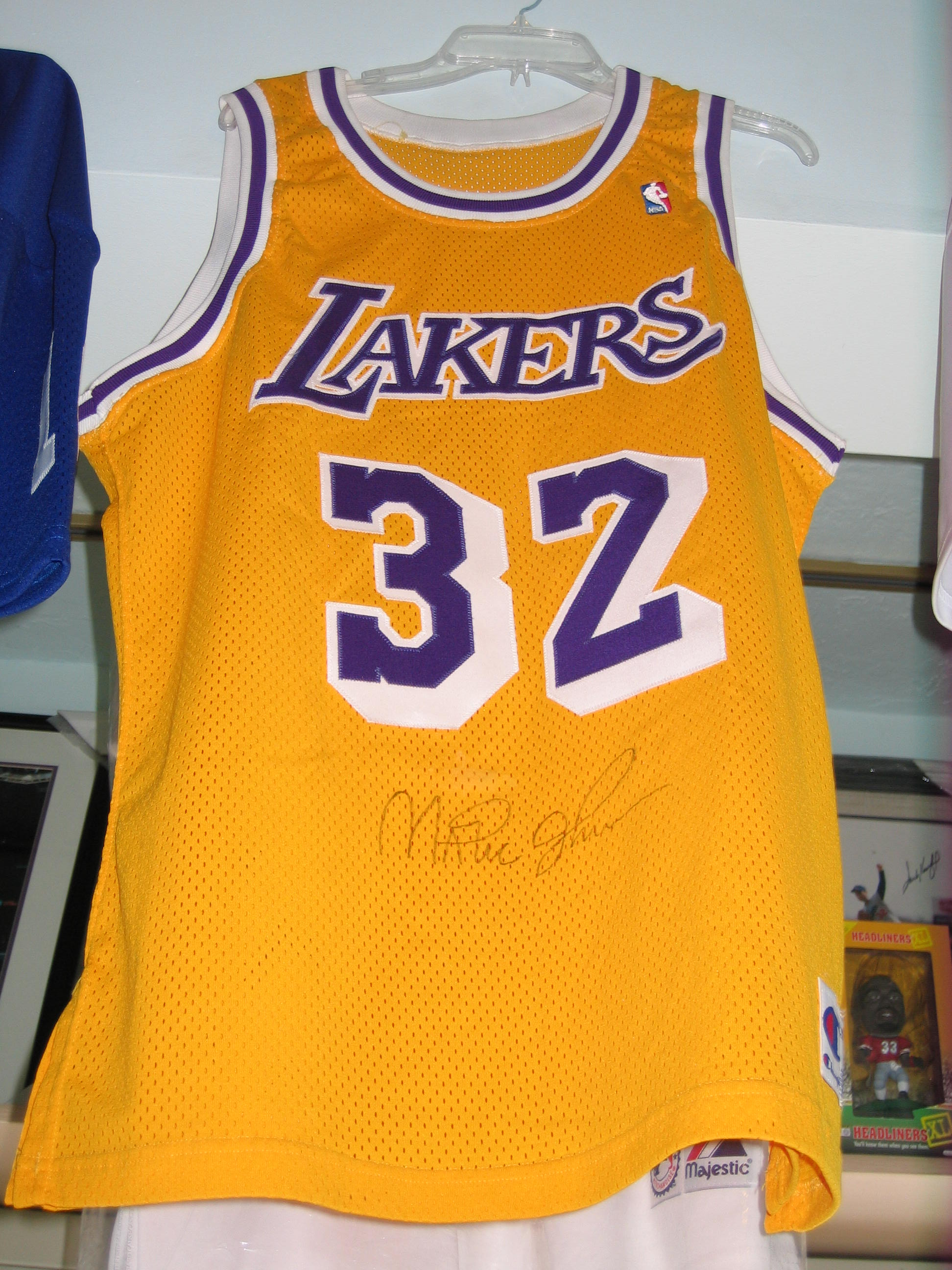 "Earvin""Magic"" Johnson Autographed Jersey (Los Angeles Lakers)"