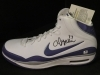 Andrew Bynum-Autographed Shoe Size 20-GAI (Los Angeles Lakers)