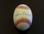 Autographed Baseball Harmon Killebrew (signed baseball and card combo)