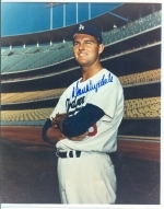 Don Drysdale Autographed 8x10 (Los Angeles Dodgers)
