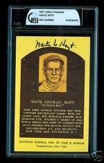 Waite Hoyt HOF Auto Postcard (New York Yankees)